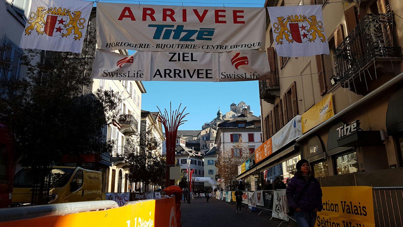 ec464e4a116532 48e Course Titzé de Noël avec ATHLE.ch ÉVÉNEMENT   Journée inoubliable en  perspective dans la vieille ville de Sion entre 11h40 (Titi garçons) et 18h  ...
